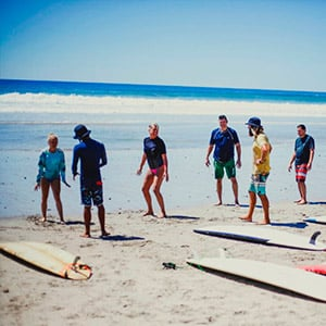 Surf lesson for beginners and intermediates