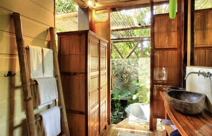 treat-yourself-to-an-outdoor-shower-at-santa-teresa